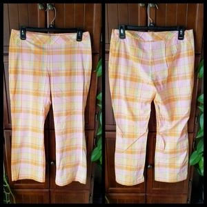 🆕️NWT Xhilaration Brand Plaid Capri's